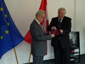 Hannes mit ukrainischem Botschafter S.E.Yevhen CHORNOBRYVKO